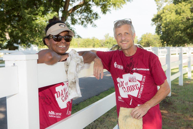 ONEOK employees take part in Tulsa Area United Way's Day of Caring.